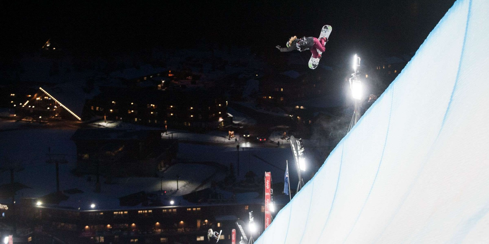 Chloe Kim Takes Second in Women's Halfpipe At Mammoth Grand Prix