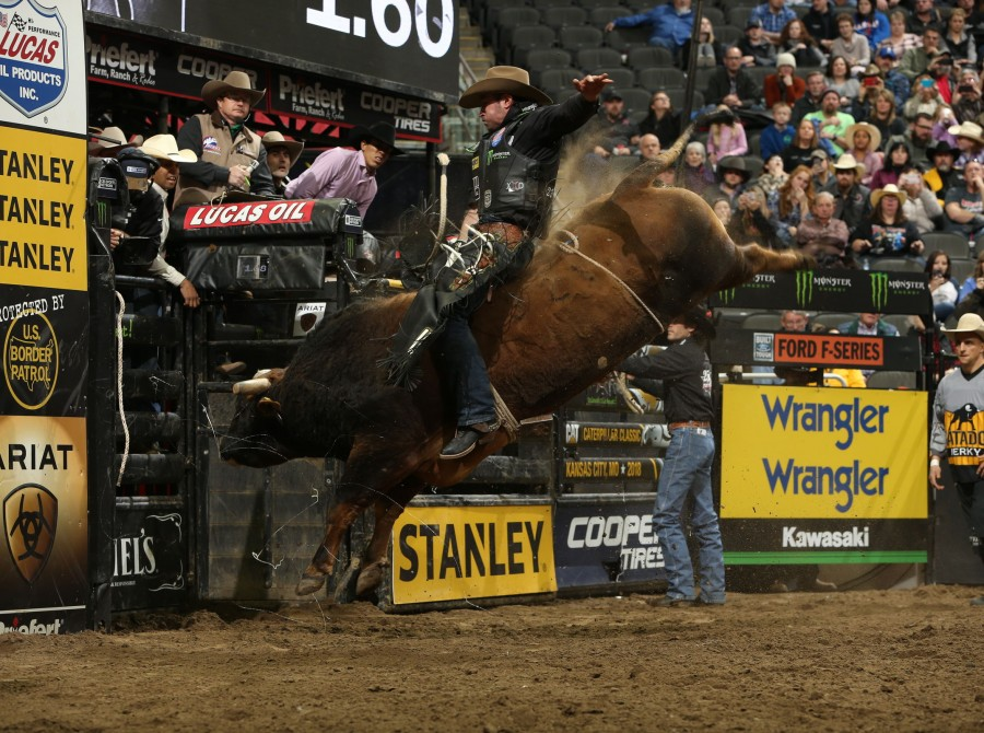 Guilherme Marchi wins Kansas City PBR 25th Anniversary Unleash the Beast