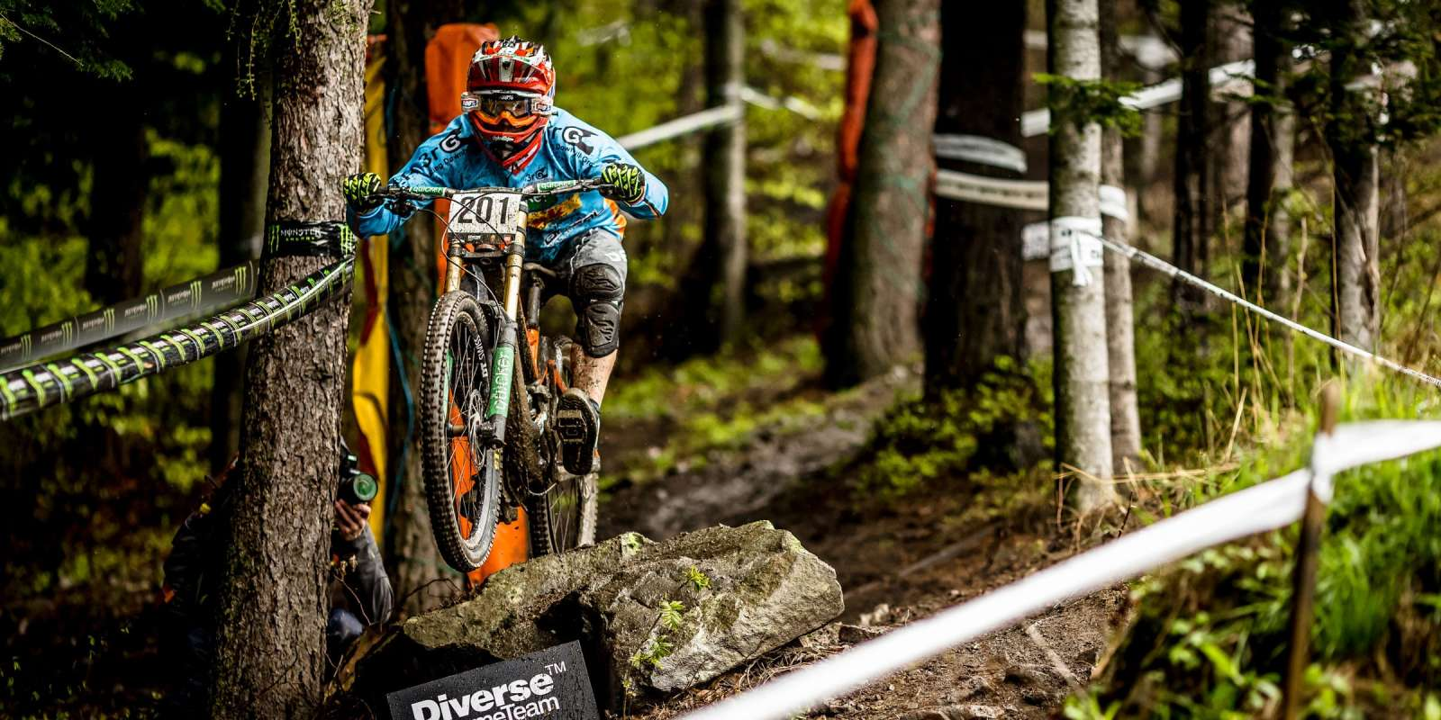 Downhill action at Diverse Downhill Contest 2016 Rd 1, Miedzybrodzie Zywieckie