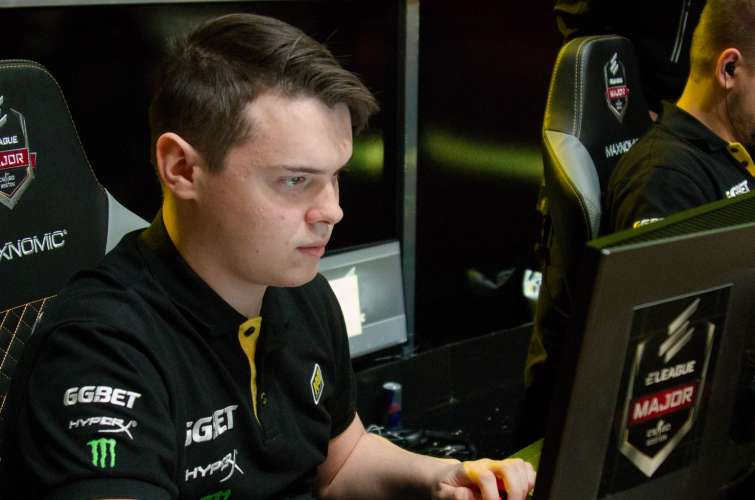 Photos of Natus Vincere Navi at the the ELEAGUE Major in Boston, Massachusetts