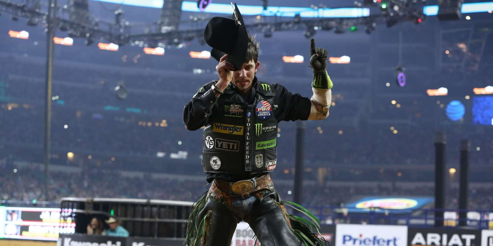 JB Mauney rides Dakota Rodeo/Chad Berger/Clay Struve's Shelly's Gangster for 87.75 during the Arlington Last Cowboy Standing PBR 25th Anniversary Unleash the Beast