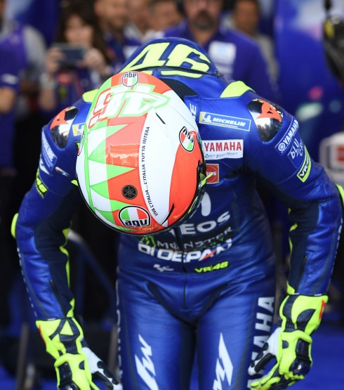 Valentino Rossi wearing the special edition Mugello Helmet on Saturday