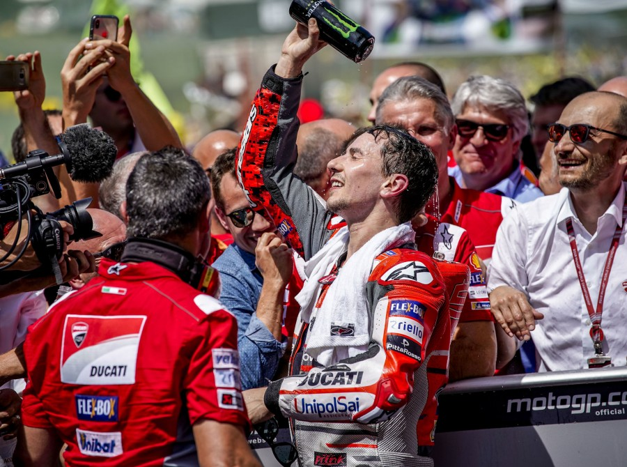 Jorge Lorenzo celebrating Mugello 2018 victory
