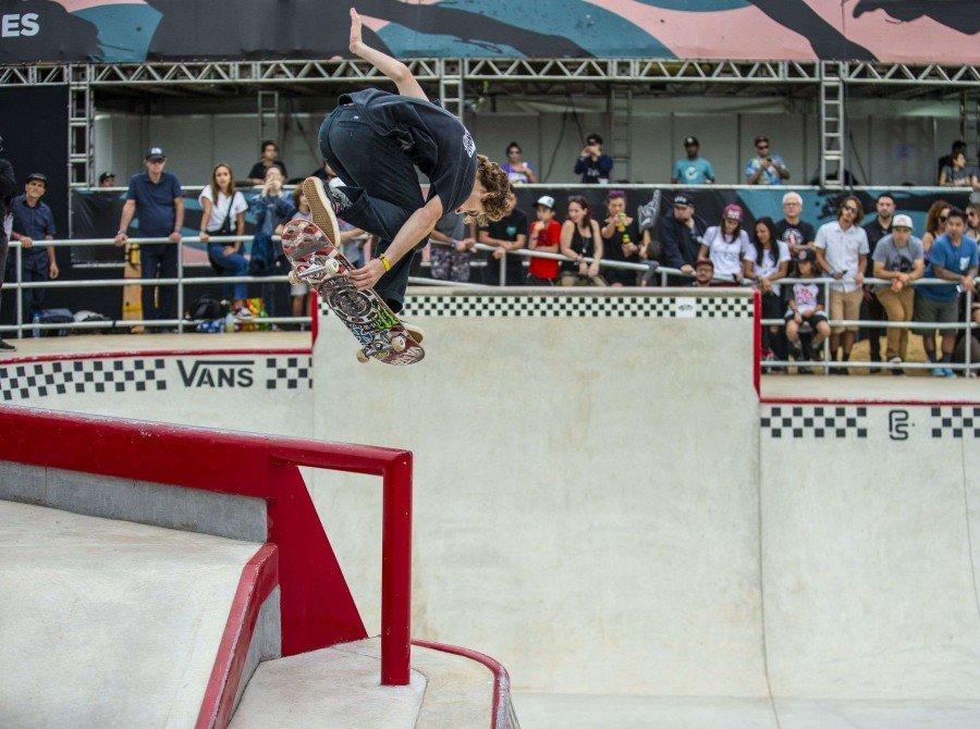 Tom Schaar take 1st place at the Vans Park Series Brazil