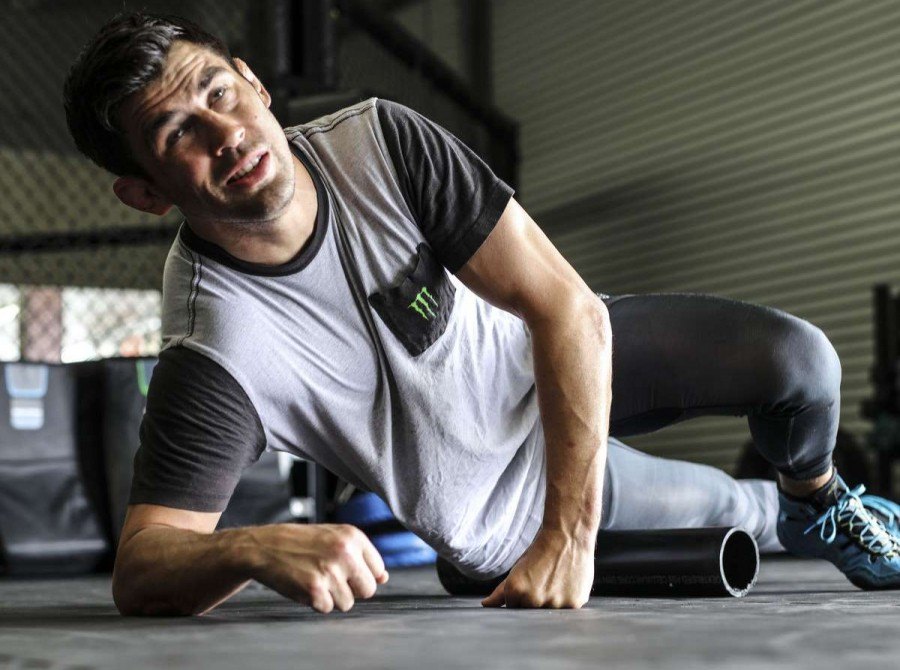2018 MMA Dominick Cruz Workout Photos