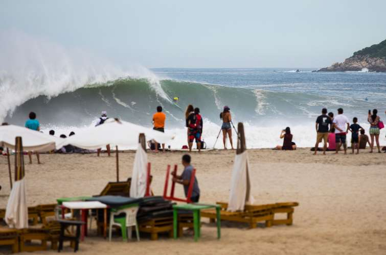 Puerto Escondido Cup Surfing  Mexico - Big Wave