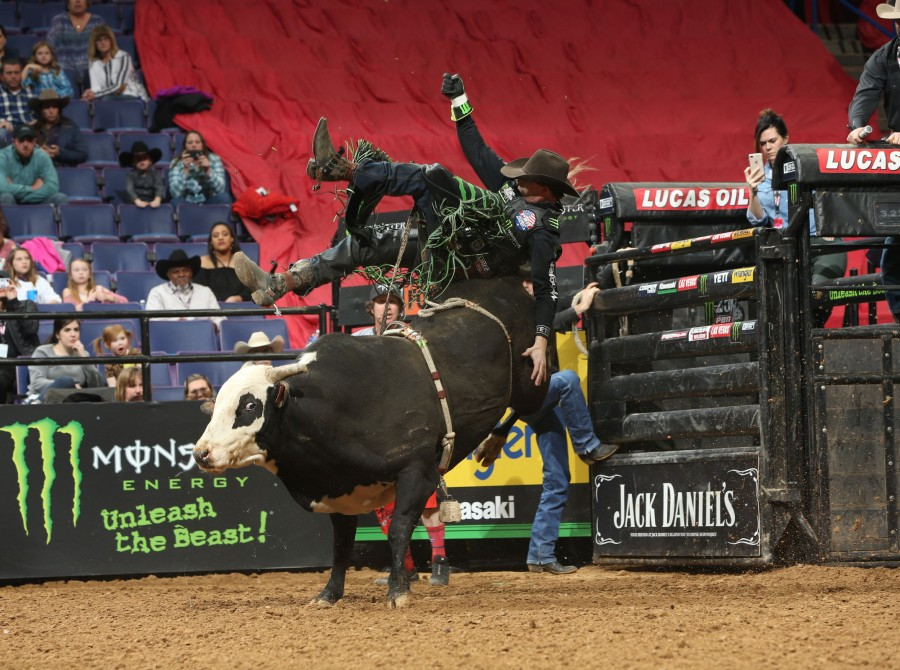 Images from the St. Louis PBR 25th Anniversary Unleash the Beast.