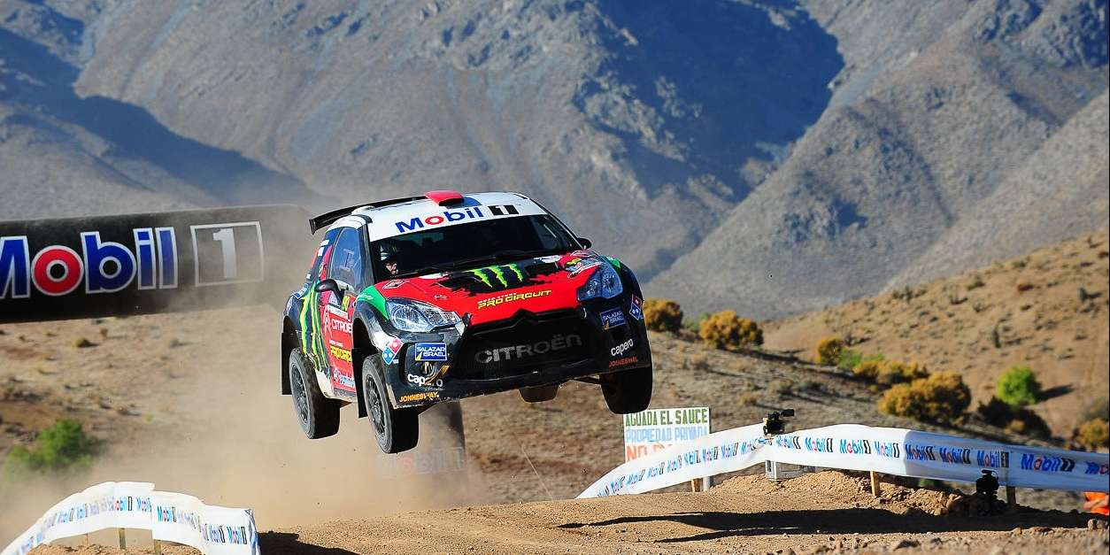 Photos from the Vicuña Race in Chile