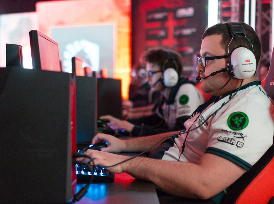 Photos of Team Liquid Dota 2 in Jonkoping Sweden for DreamHack Winter, DreamLeague Season 8 Finals