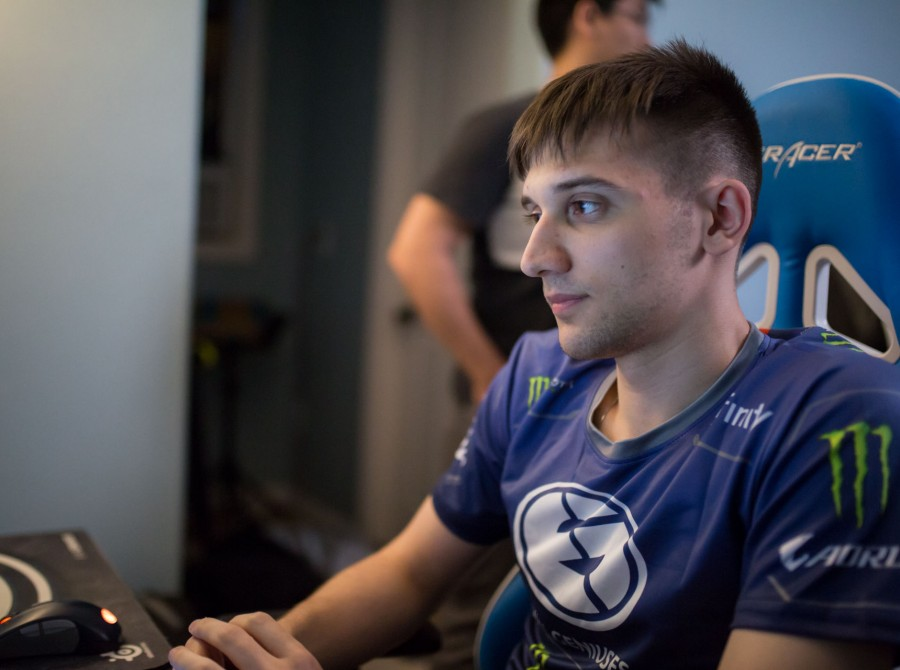 Photos of Evil Geniuses Dota 2 at Dota Summit 9