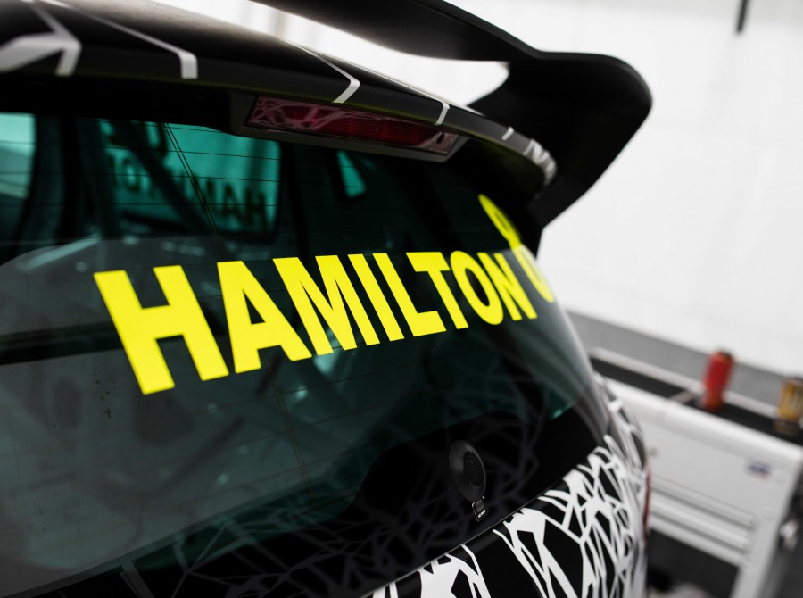 Nicolas Hamilton in the Renault Clio Cup.