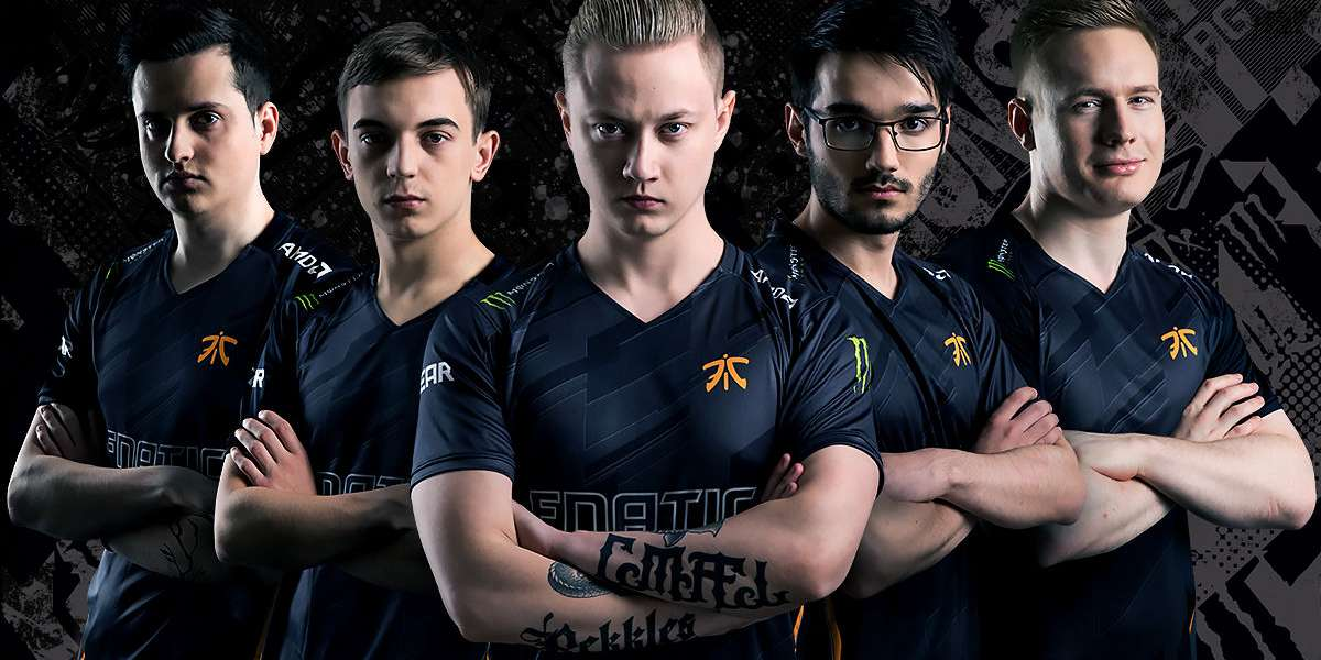 Photo of the 2018 Fnatic League of Legends team