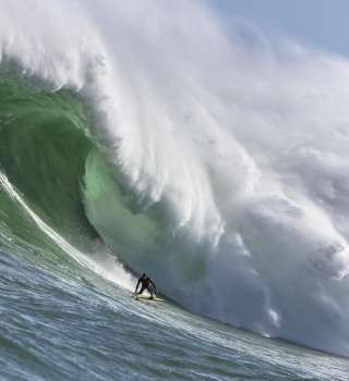Matt Bromley goes XXL in his hometown in South Africa. Big wave surfing.