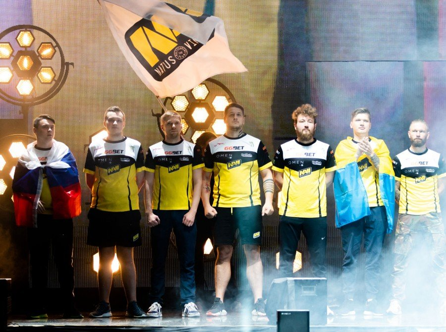 Photos of Navi as they compete in the FACEIT CSGO Major in London, UK