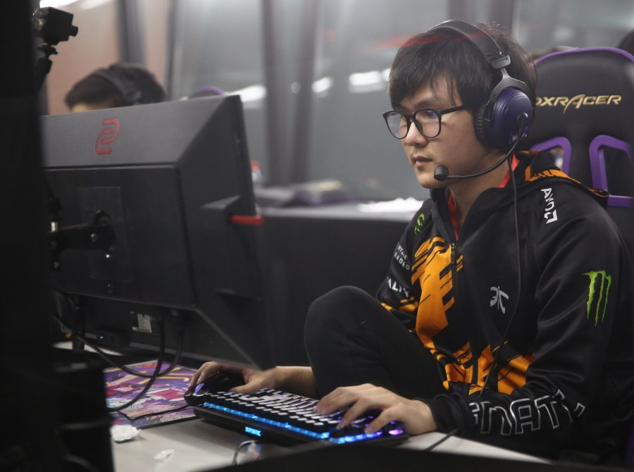 Pictures of Fnatic Dota 2 at the Chongqing Major in Chongqing China. The team placed 5th/6th in the tournament.