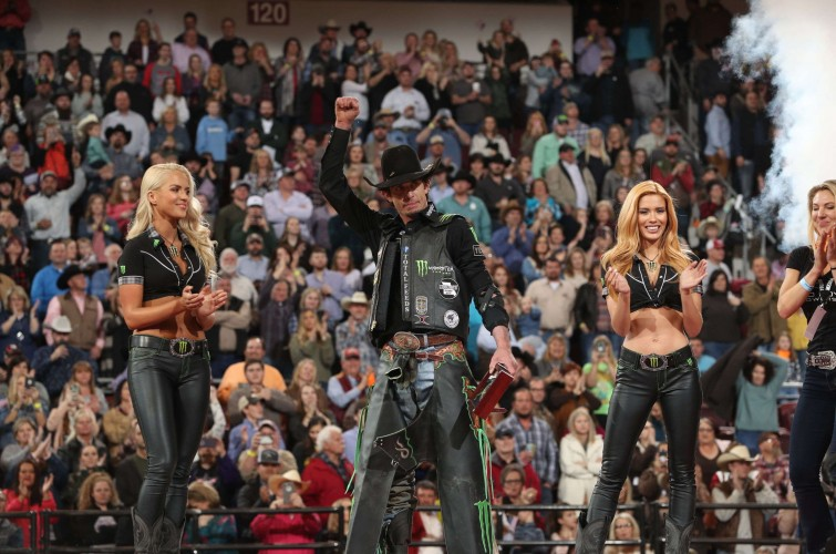 JB Mauney wins the Little Rock PBR Unleash the Beast.