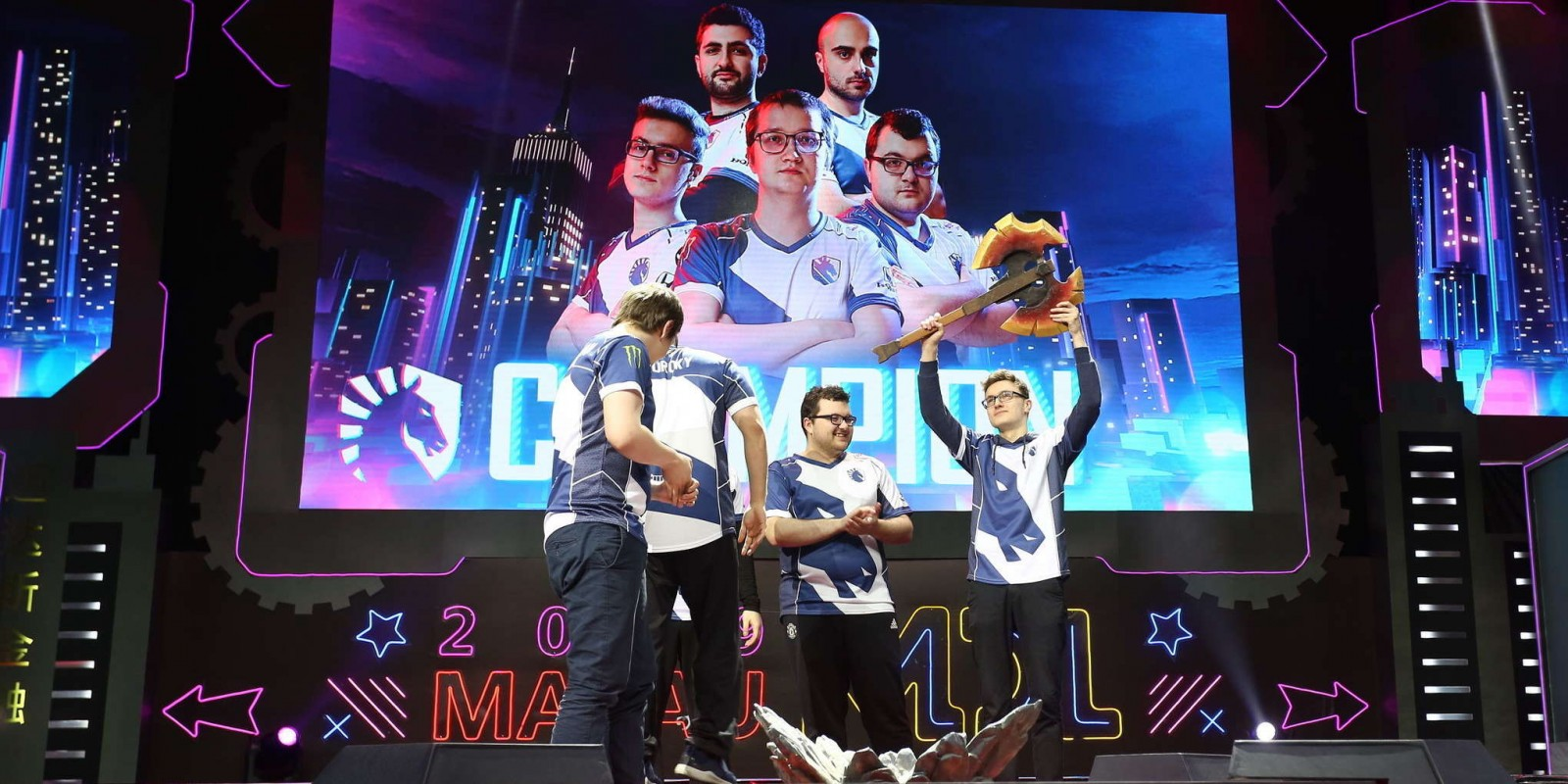 Photos of Team Liquid's Dota 2 team who won the MDL Macau event.