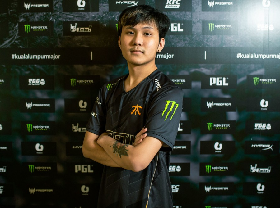 Headshots of Fnatic Dota 2 as they participate in the Kulala Lumpur Major