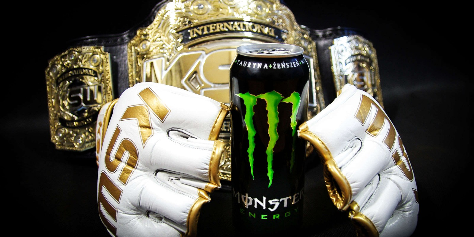 KSW MMA champion belt, gloves and Monster can