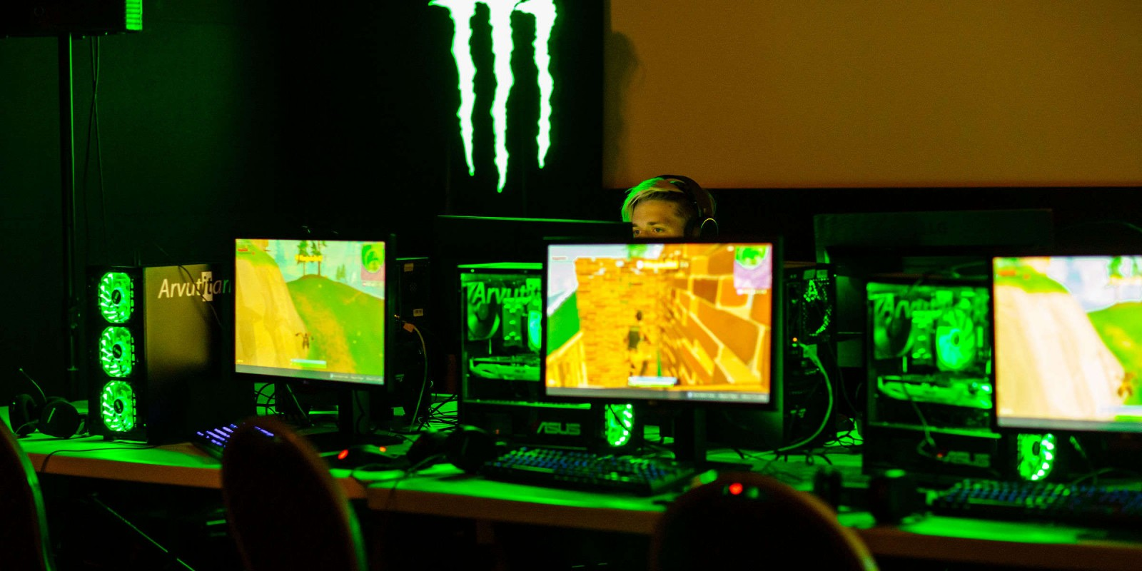 Largest Estonian gaming event, gaming night - MängudeÖÖ. The event is held in cinema, allowing to experience gaming on large screens.