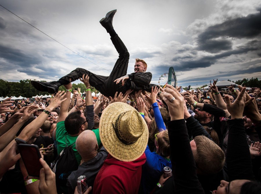 Frank Carter and the Rattlesnakes performing on stage at carolina rebellion festival 2017