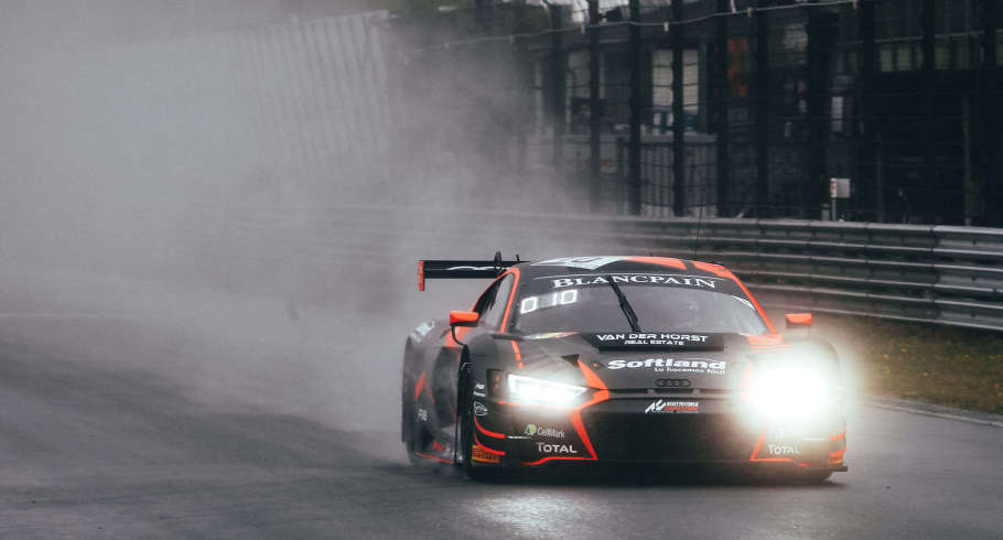 Oscar Tunjo racing at the Silver Cup Blancpain GT World Challenge in Zandvoort.