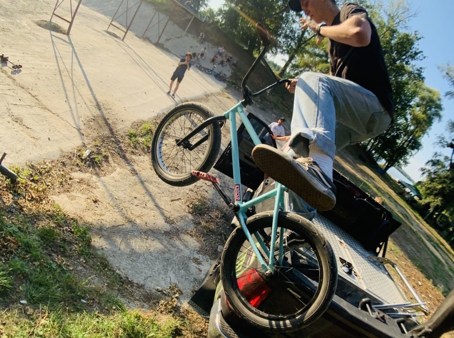 Pictures taken at the recent BMX Jam in Kharkiv supported by Monster Energy. Monster Employee on the shot