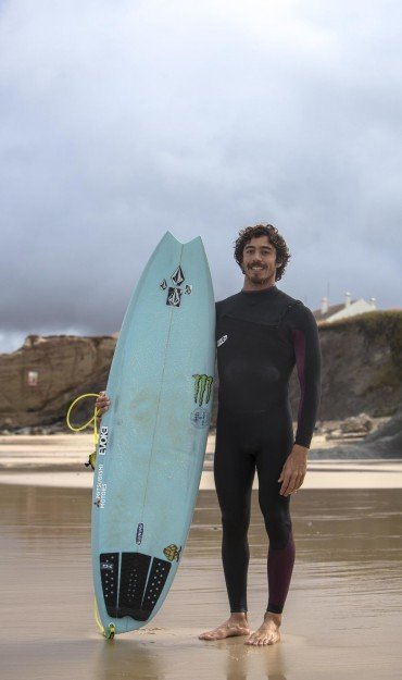 Comp and freesurf pics of Yago Dora from Peniche Pro 2019