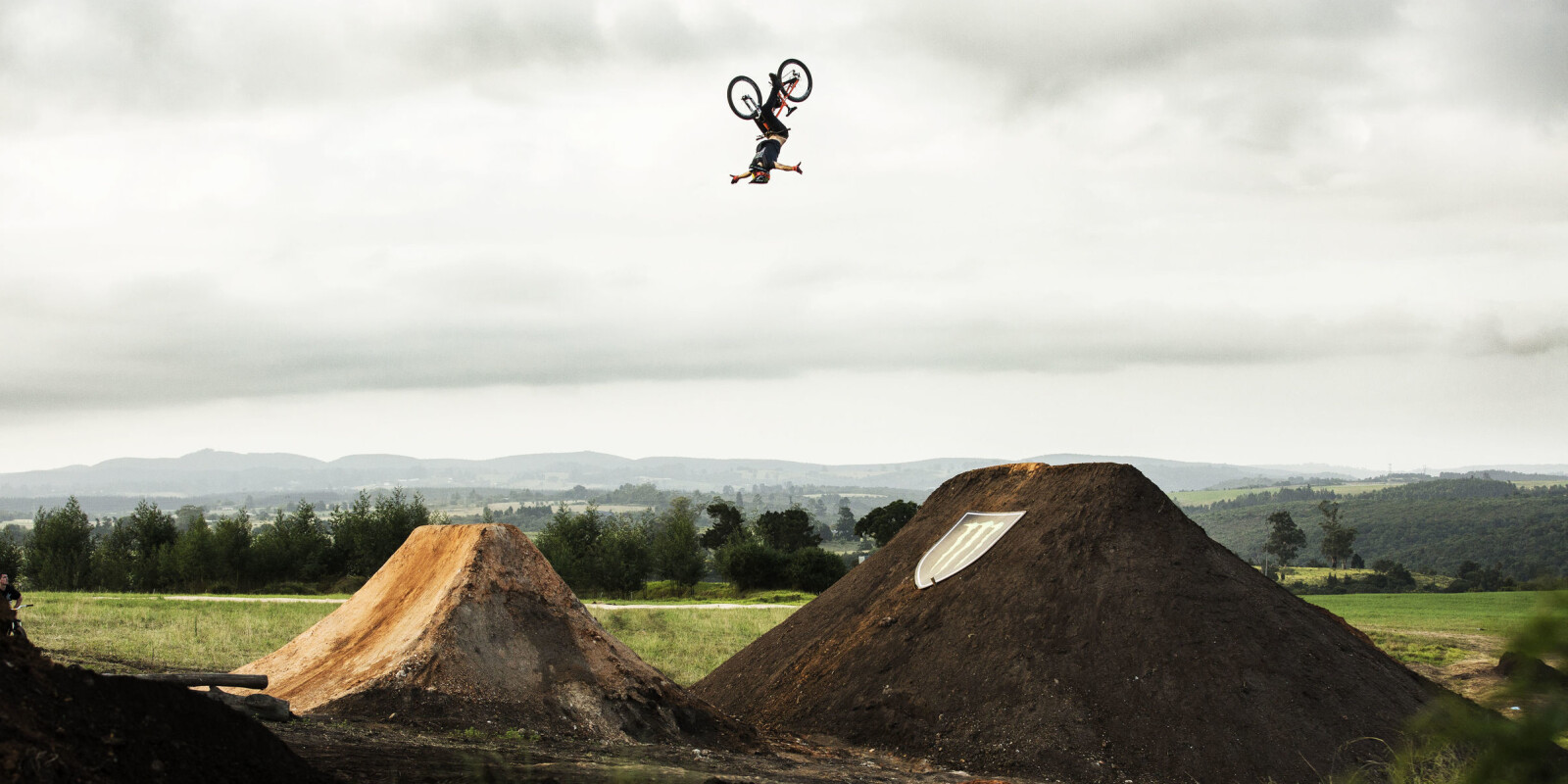 Sam Reynolds, Backflip no hander - Pure Darkness 3