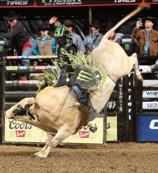 Jose Vitor Leme wins the Sacramento Unleash the Beast PBR