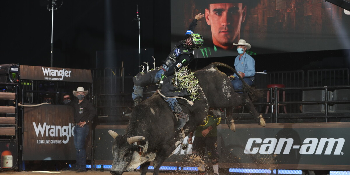 Images from the Division A play at the Monster Energy Team Challenge PBR.