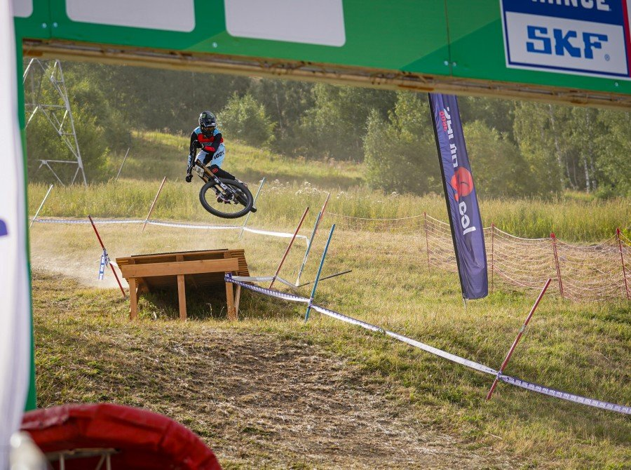 A pile of World Cup DH talent was present for the second race of the 2020 French Cup.