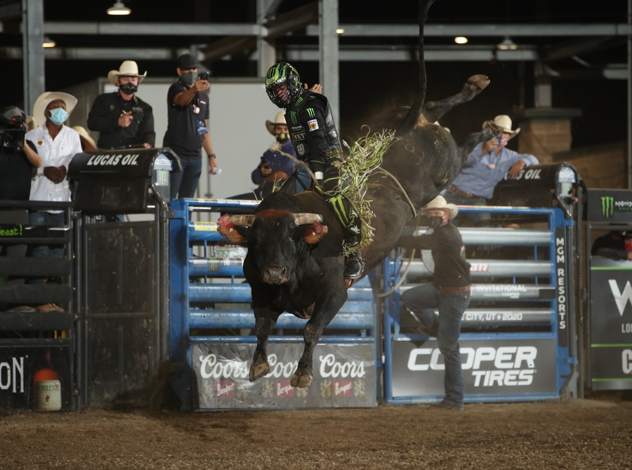 Jose Vitor Leme wins the Salt Lake City Unleash the Beast PBR.