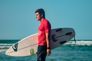 Luis Diaz surfing at QS anglet