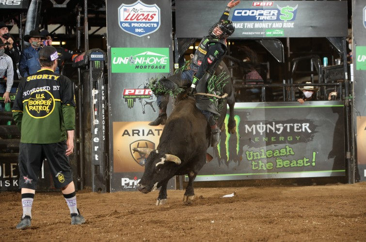 Derek Kolbaba wins during the 15/15 round of the Nampa Unleash the Beast PBR