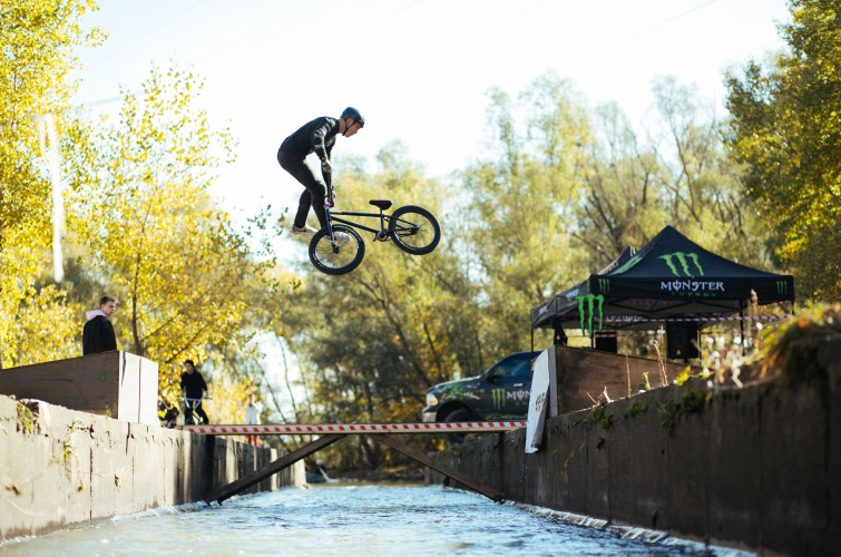 Photo assets from Monster supported BMX event to illustrate a dedicated article on ME website