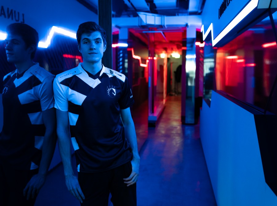 Photos of Alphari, the latest addition to Team Liquid's LoL roster.