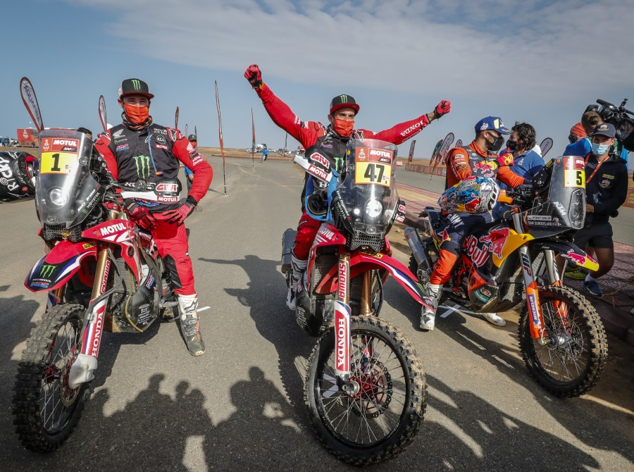 Images from stage 11 and stage 12 of the 2021 Rally Dakar