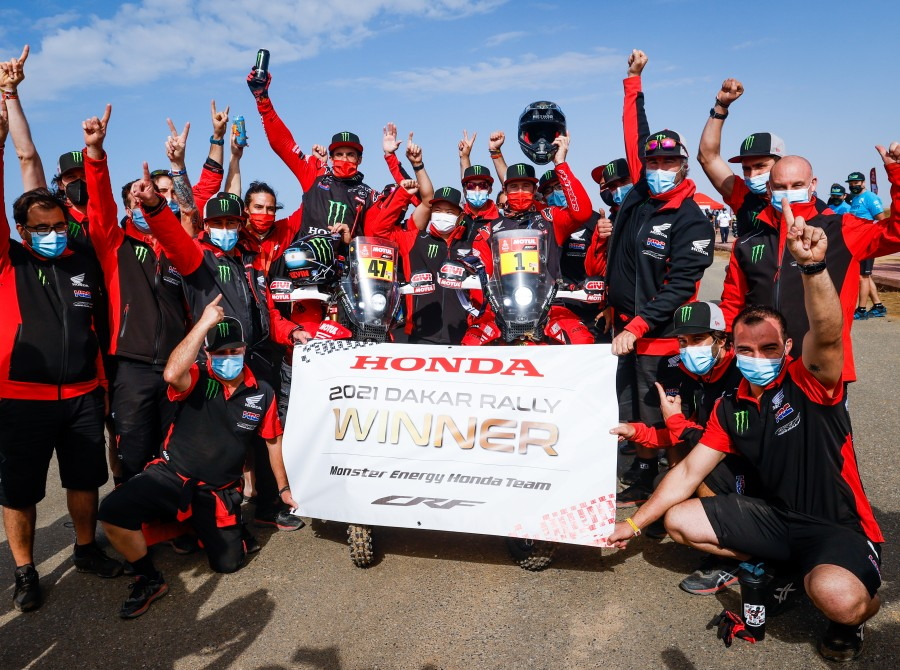 Images from the finish line of the 2021 Dakar Rally
