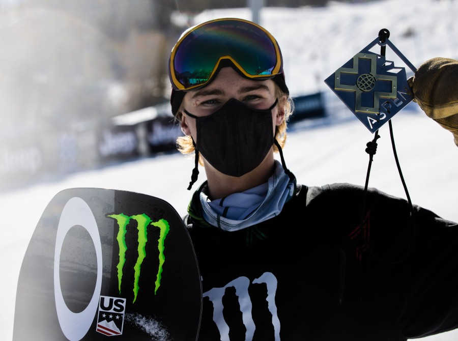 Image assets from Day 3 from Mens Slopestyle Snowboard on 2021 X Games Aspen Colorado.