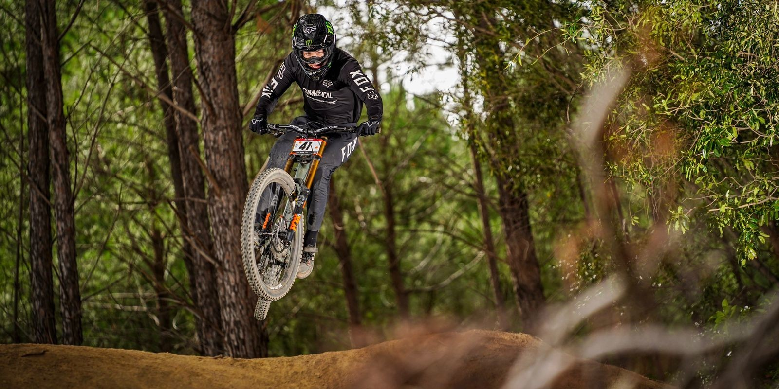 Theo Erlangsen & Ike Klaassen take the win at Downhill MTB SA Champs in Paarl, South Africa